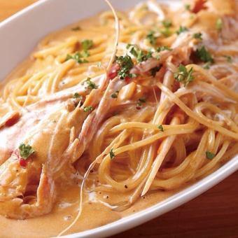 扇貝蝦的美式沙司意大利麵條