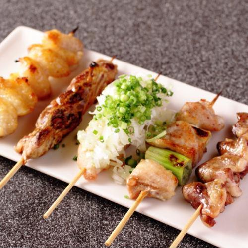 ぼんじり(タレ・塩・味噌)/はつ(タレ・塩)/鶏もも(タレ・塩・味噌)/皮(タレ・塩)