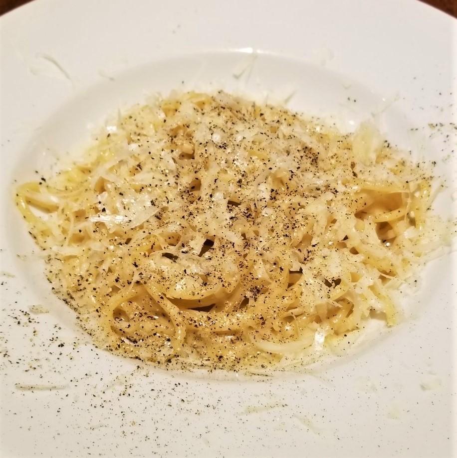 ペコリーノチーズと黒コショウのカーチョ・エ・ペペ