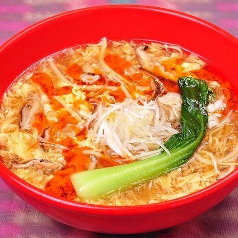 酸辣湯麺(サンラータンメン)/激辛酸辣湯麺