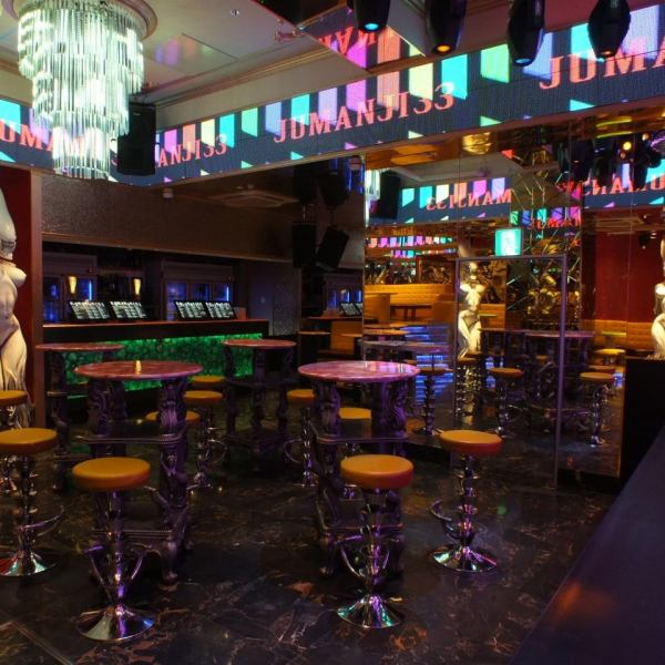 【Private shops are reserved OK !! 20 ~ 200 people】 You can rent a stylish space surrounded by antique interior for 20 ~ 200 guests ◎ The standing floor without a doubt will be excited in the store, relaxing BOX seat , A bar counter is available, and you can use it in various scenes ♪ Shibuya private party party second party banquet girls'