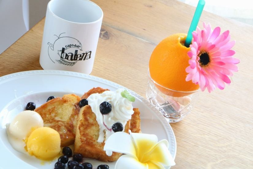 14: 00 ~ Coffee Original French toast with fluffy toppings ☆