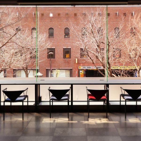 櫻花在春天,夏天,清新的綠色,秋葉,冬雪。還有就是櫃檯享受四季的風景