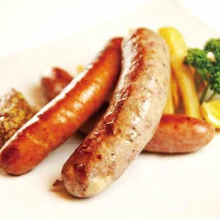 ソーセージ盛り合わせ  Assorted sausage