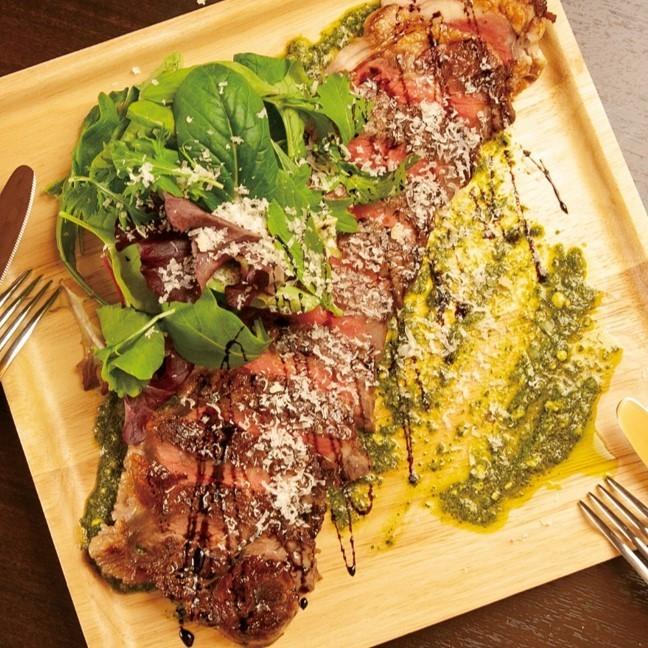소 등심 스테이크 타리 아타 Sirloin steak tagliata (cut)