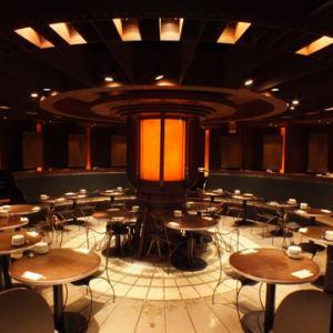 歓送迎会、同窓会などのご利用に!30~60名ご利用可能!円形大パーティーフロアー♪人数により、カスタマイズが可能!!プライベートな空間でお食事をお楽しみ頂けます。