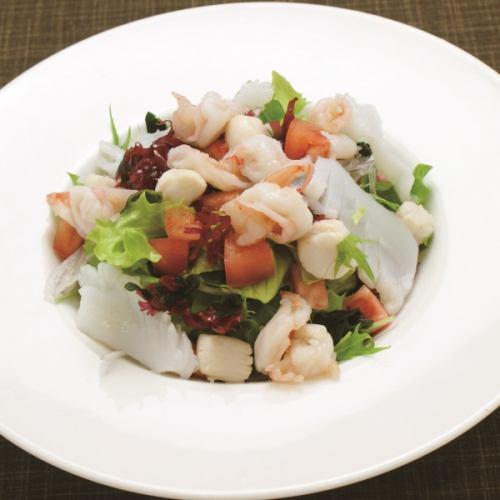 青龍門海鮮サラダ