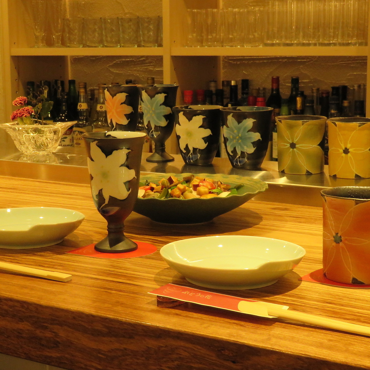 Counter seats that can enjoy meals in a calm space are perfect for dating ♪