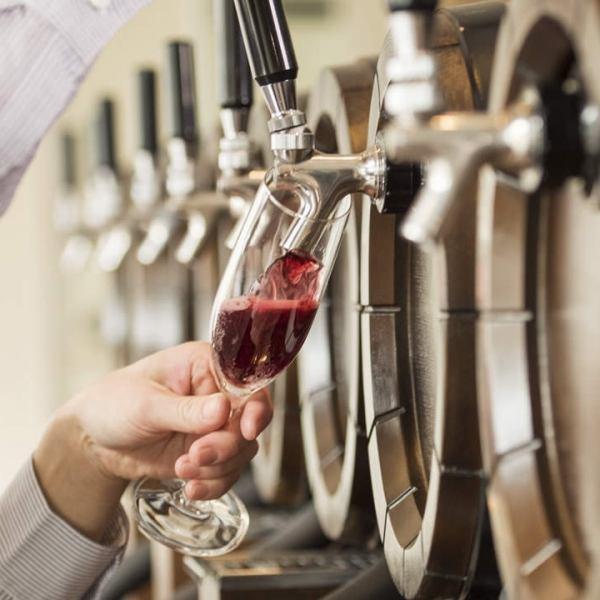 【미나토 미라이 · 사쿠라 기초] 와인이라면 맡겨주세요!