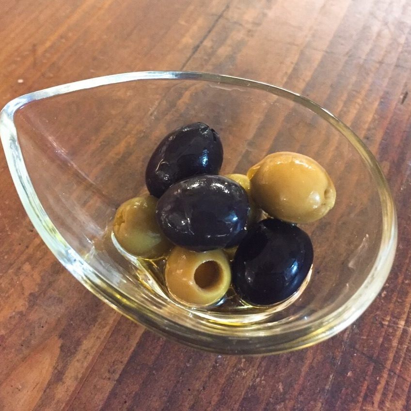 Assorted 2 olives