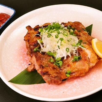 麓鶏の手羽先と里芋のスープ煮/麓鶏のざっくり炙り焼き