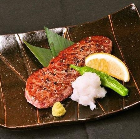 牛肉サイコロステーキ柚子胡椒&特製みそダレ/サーロインとししとうの黒こしょう焼き