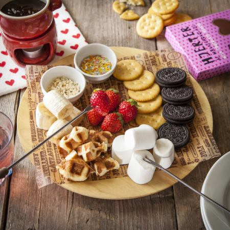 """Girls popularity number 1! """"All-you-can-eat cheese & chocolate fondue"""" 2 hours 1480 yen ♪"""