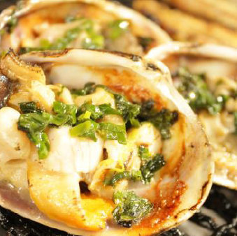 Grilled rice with mackerel (large clam) clam with butter