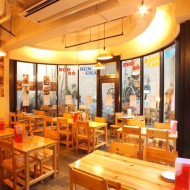 【免費!桌座】胡志明樓進入商店後立即。越南桌椅真正用越南語製作【現在】★適合中小型宴會◎