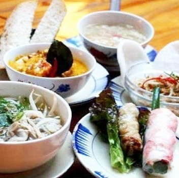 All 5 items lunch course 2500 yen! ♪ with desert drink Viking ♪