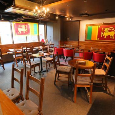 <落ち着いた空間の店内◎>当店は赤色を基調にかなりオシャレな店内となっております♪ランチとディナーでは雰囲気もかなり変わるので、様々な時間帯でお楽しみいただくのもオススメです◎