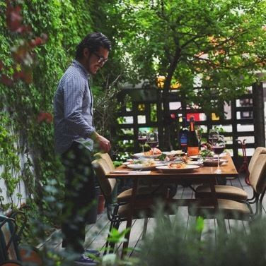 【◆ warmth of trees × warmth of foliage plants】 LIFE's deck terrace is the best place to deliver blissful time. It is also od you to drink with your dog or to drink alcohol outside from noon. The interior of the shop filled with customers talks with laughter and laughter. It is such a space that nature and sake also advances.