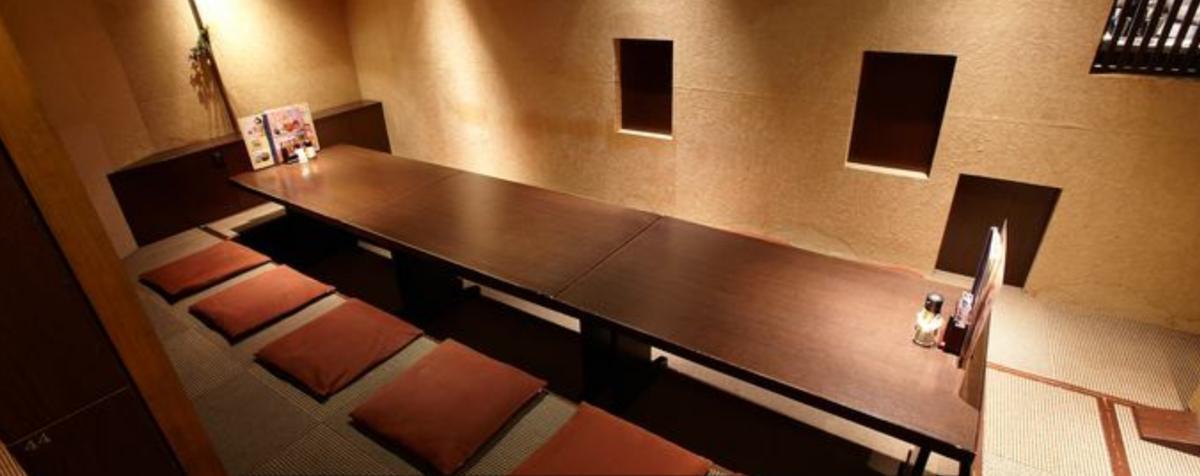 隠れ家風の落ち着いた雰囲気の個室で美味しいお料理をお楽しみください。
