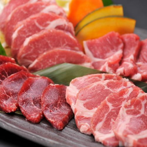 «홋카이도 산 양고기 징기스칸 120 분 음료 뷔페 포함 연회 코스»에비스 클래식 타루 나마 포함