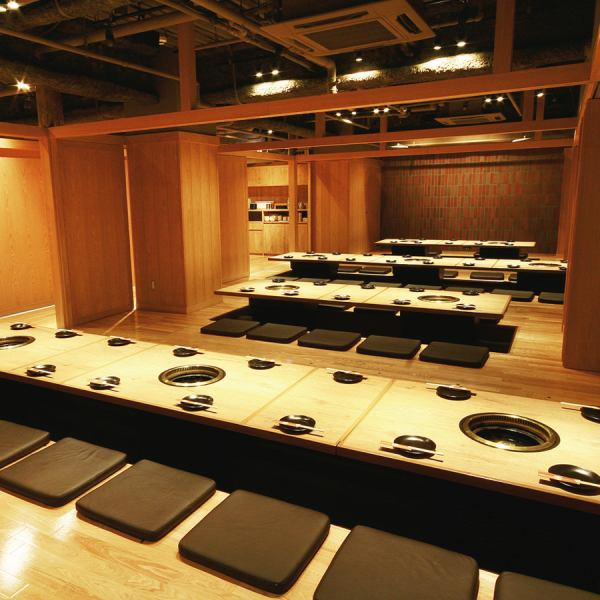 The inside of the warmth of wood is fully equipped with a private room dug for accommodating up to 80 guests from 8 people.We can prepare according to the number of people.