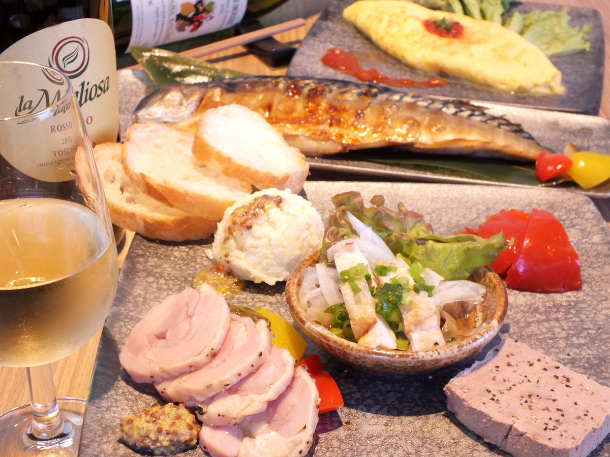 Many dishes with alcohol are prepared ♪