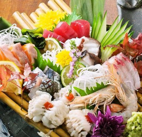 """이익 도외시 ◎ 계산하지 않고 旬魚을 적당히 담은 """"물고기 한창""""1280 엔 (세금 별도) ※ 사진은 이미지입니다."""