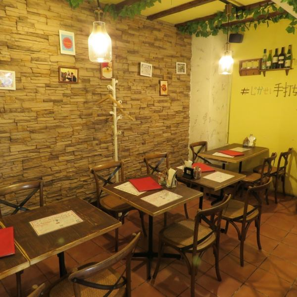 Please enjoy dishes such as pasta using homemade pasta at an affordable price, authentic stone kiln grilled pizza and tapas ♪ We are available for dinner party with friends, mama, dating and family.The interior of the shop is totally non-smoking.We also have dishes for children, so feel free to visit us ♪