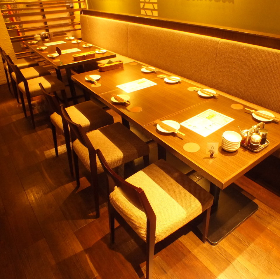 When we are having a large banquet, we will put a seat like this.