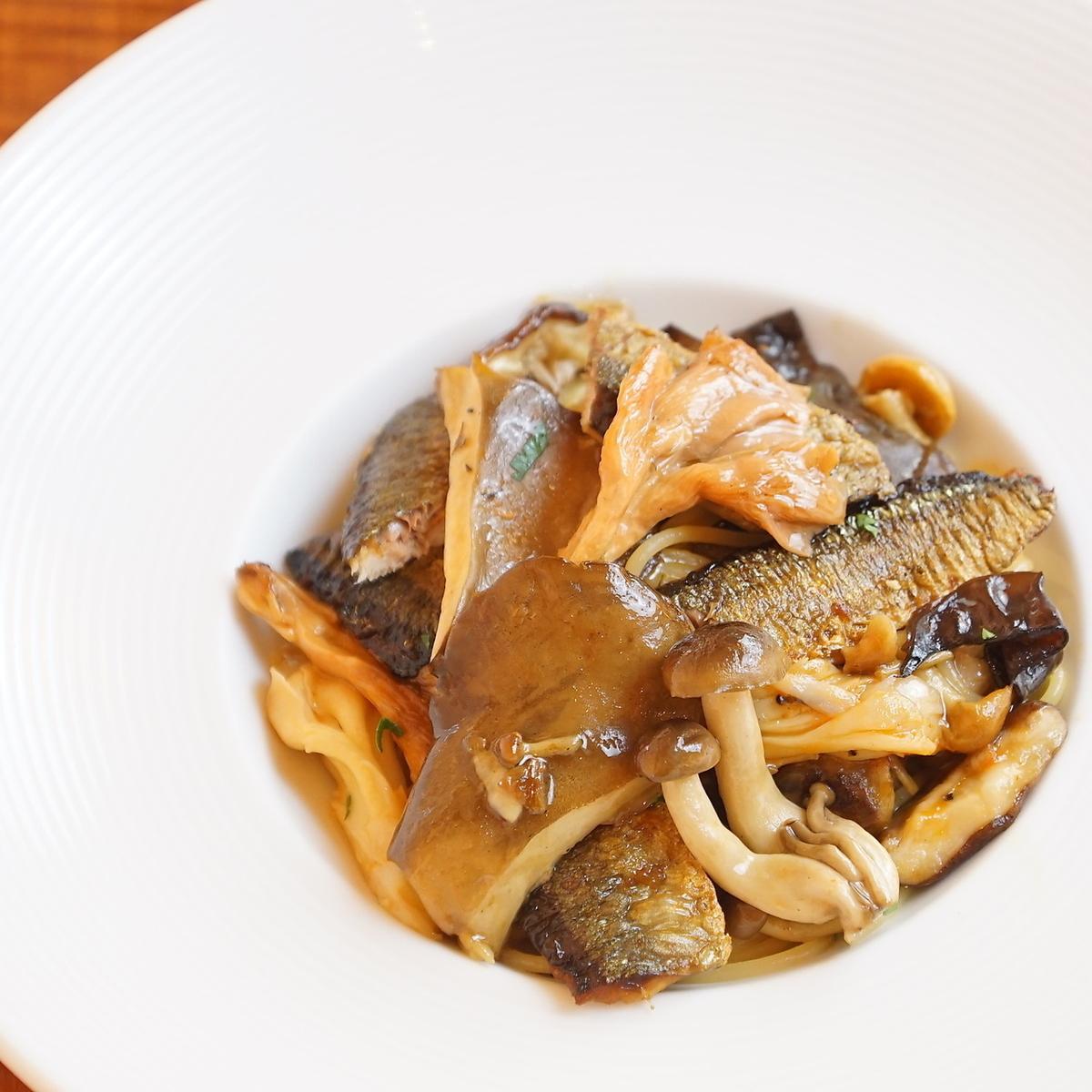 Spaghetti Boscaura of Clam Fish and Cave Mushroom
