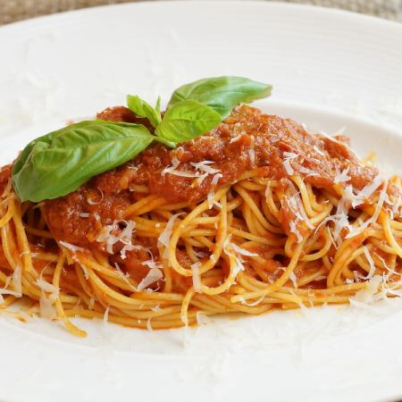 Simple tomato sauce spaghetti of ripe tomatoes and basil