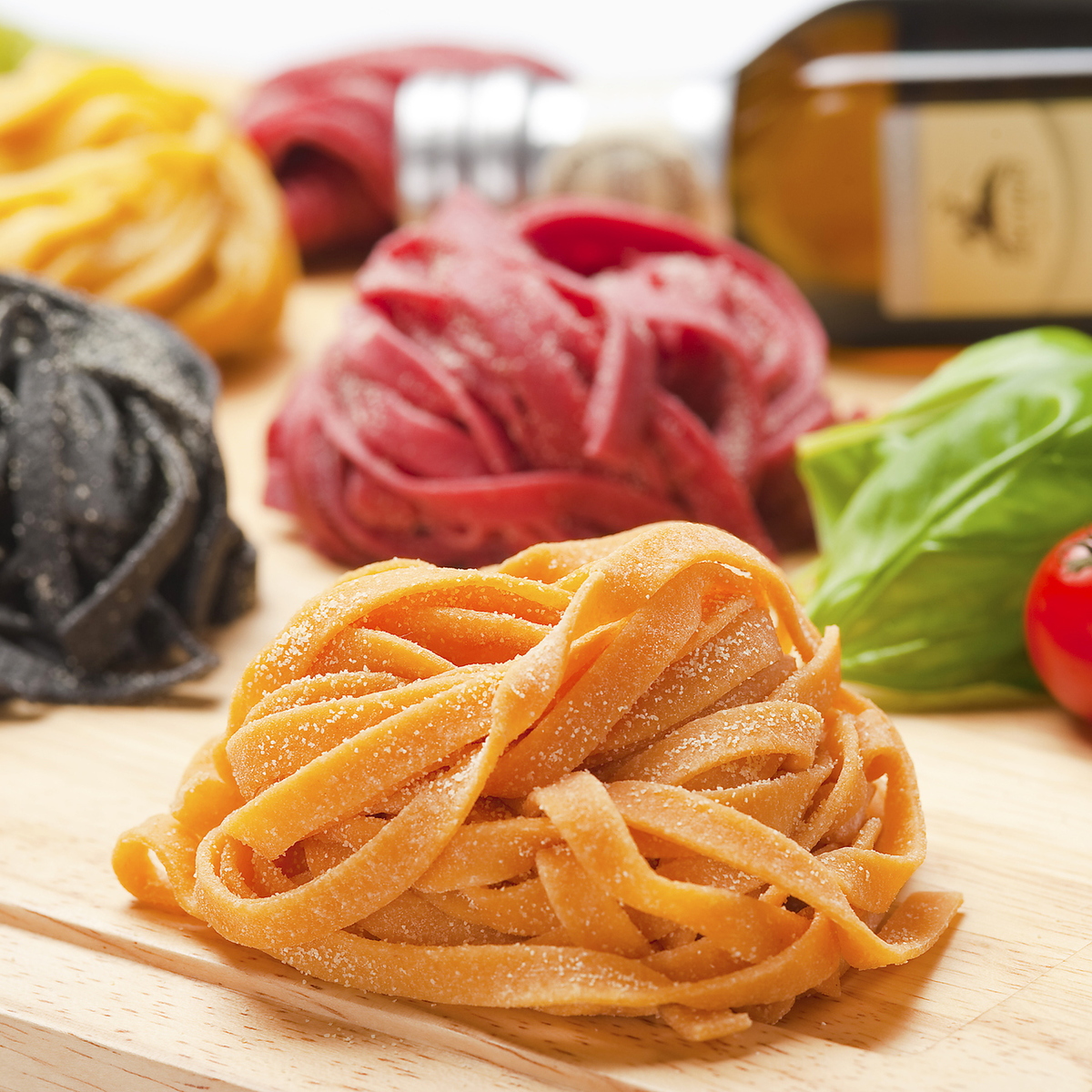 Lunch menu with raw pasta that can be selected from all 84 species LUNCH MENU