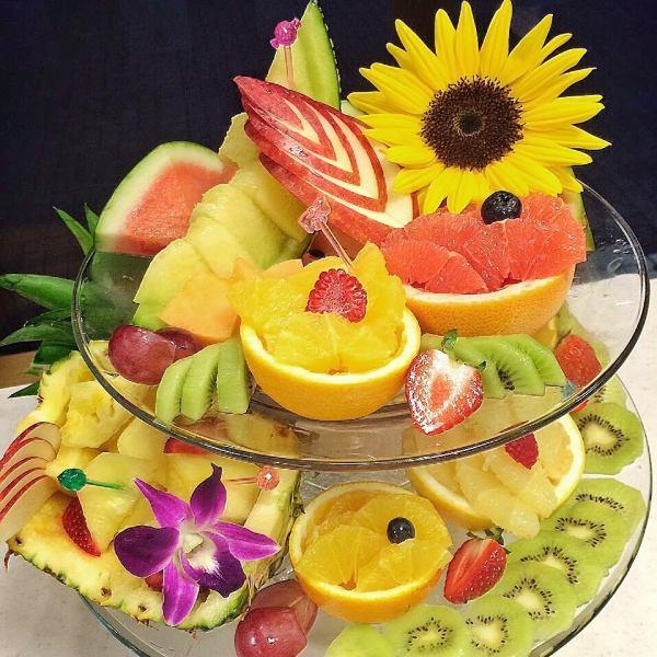 毎朝市場から新鮮な果物を仕入れています☆フルーツの盛り合わせ