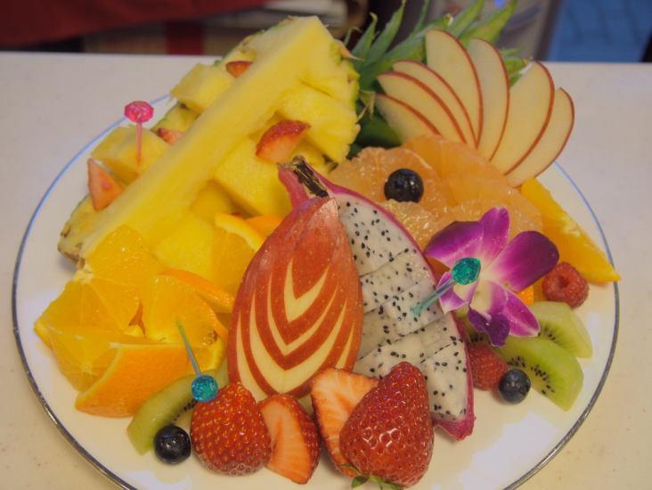 フルーツ盛り3000円〜お作り可能です♪