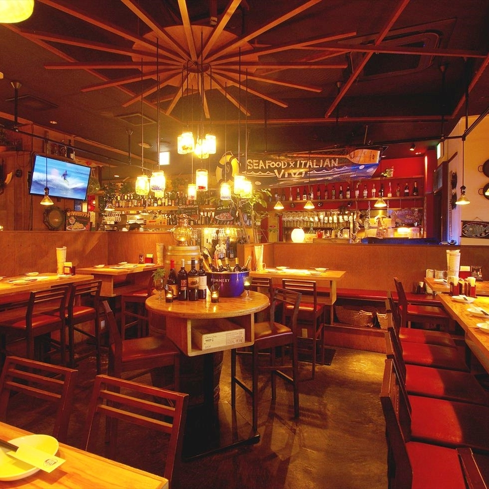 [Front Floor] The gorgeous image that imaged the seaside bar is a popular floor for women.