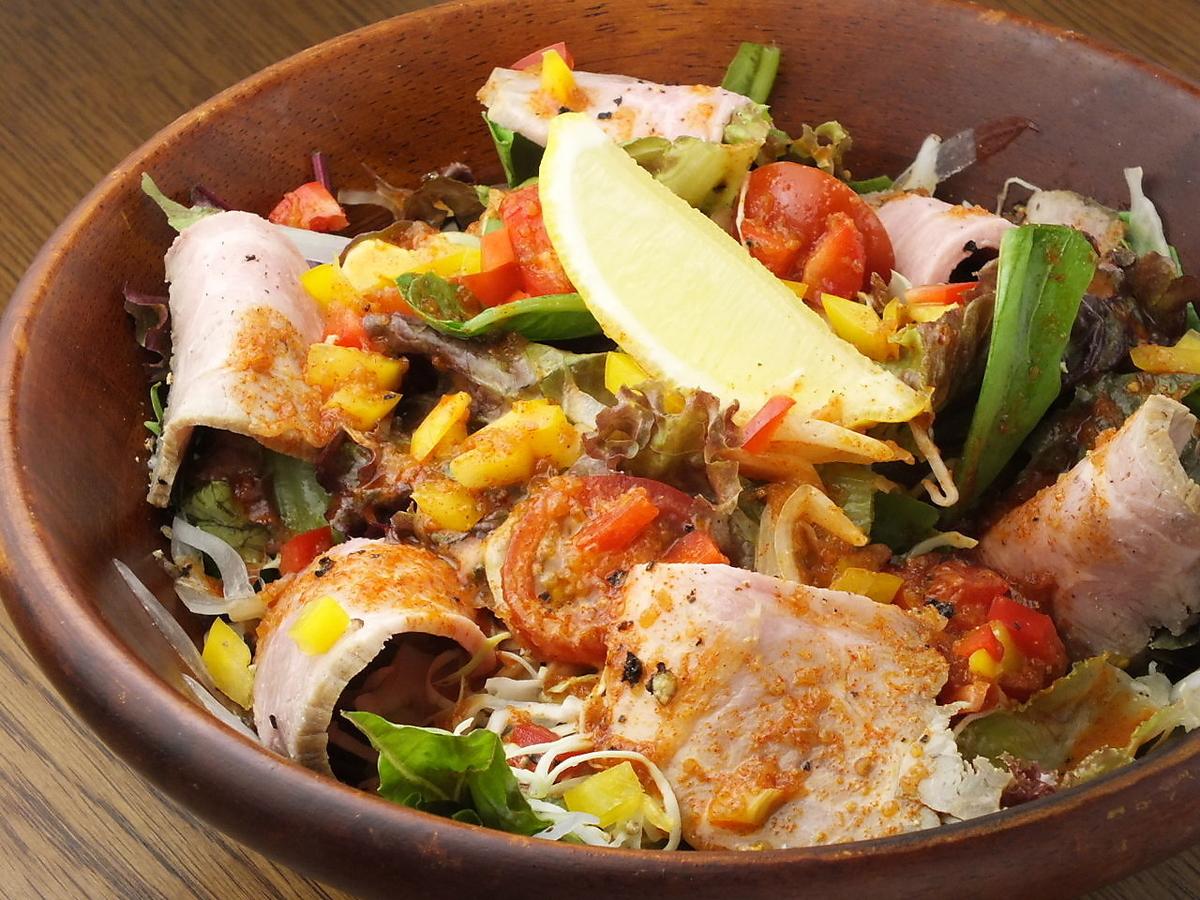 Roasted pork salad
