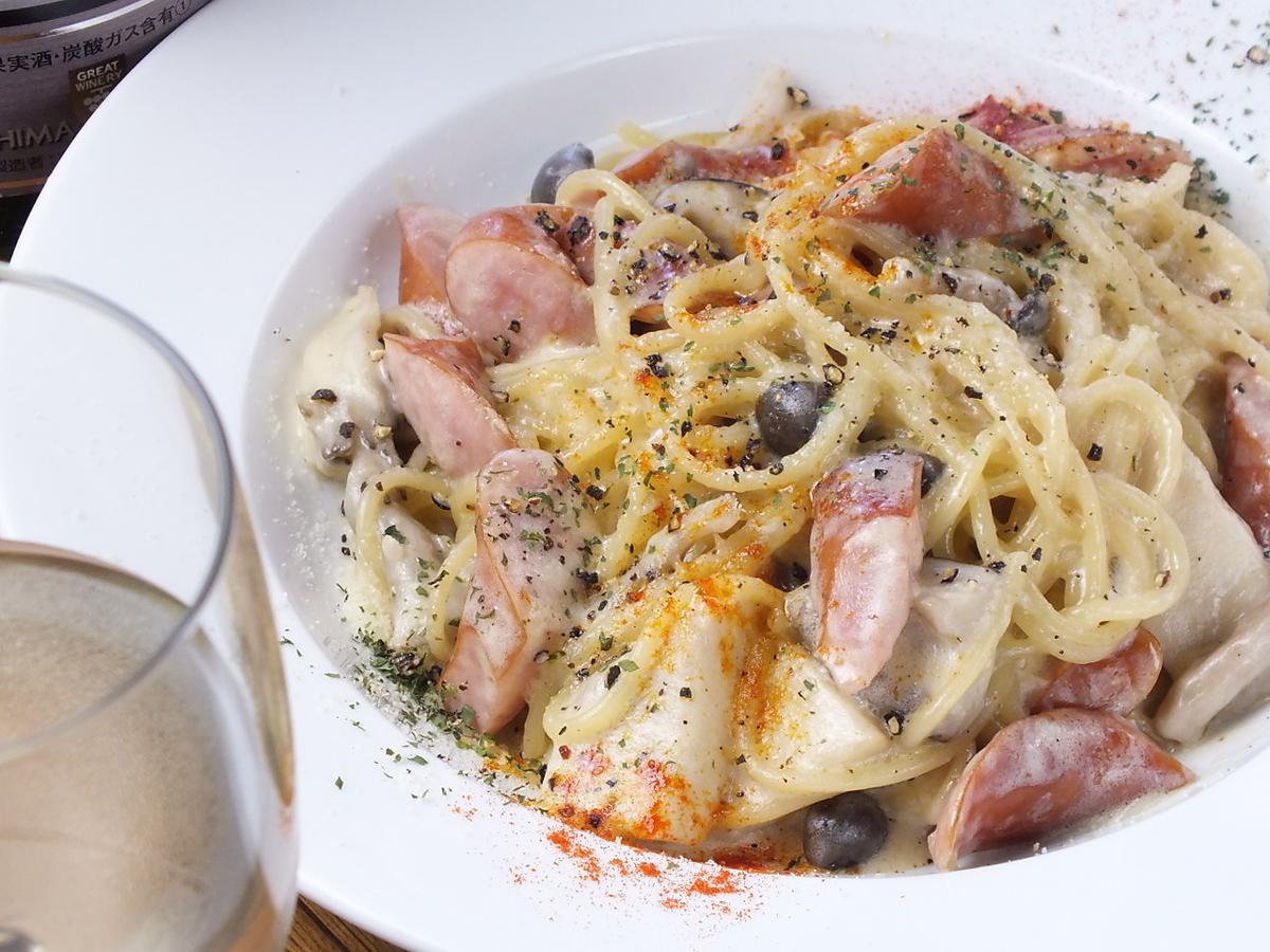 Homemade smoked mushroom cream pasta