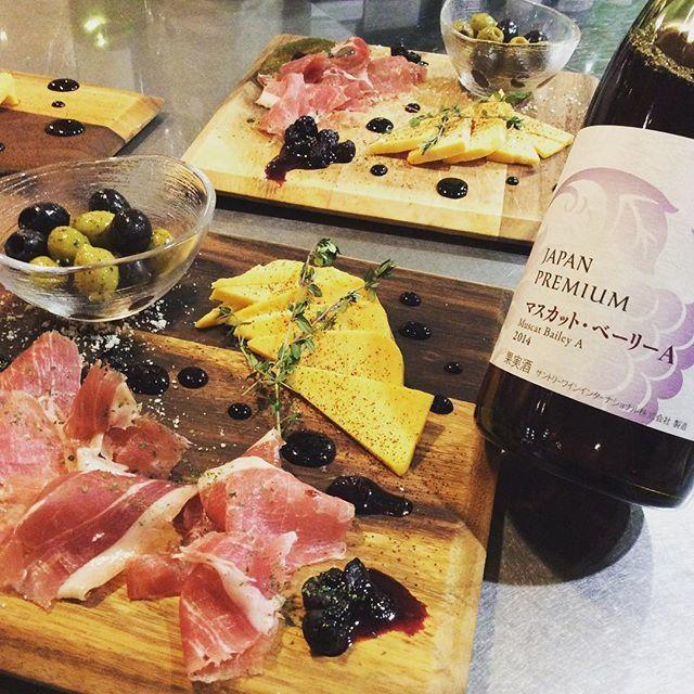 Volume perfect meat dish × plentiful wine ♪