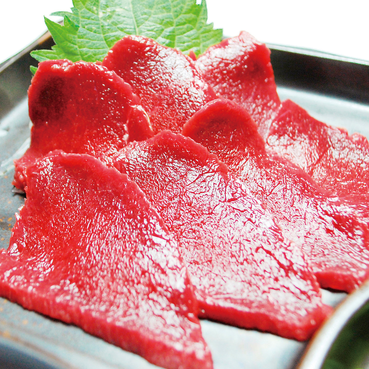 Selected horse meat sashimi (thin frost)