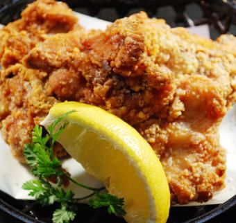 Deep-fried young chicken stocked with shops