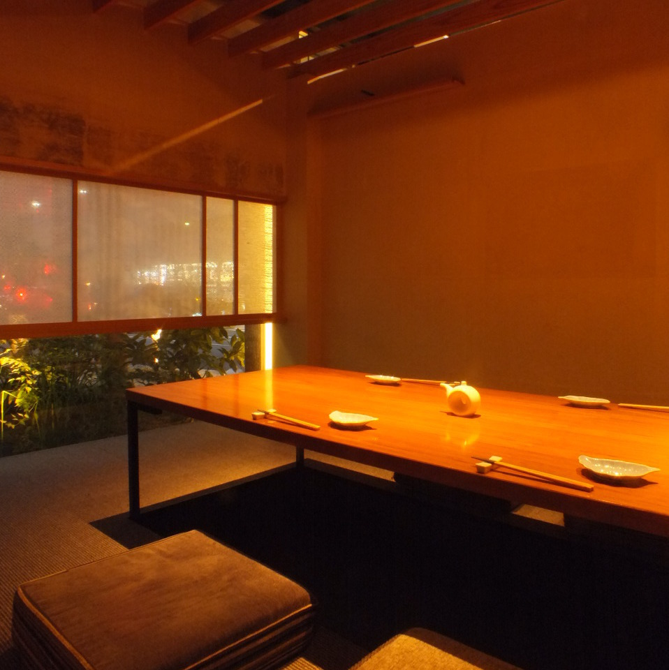 There are 12 rooms for digging 炬燵 individual rooms for 2 to 60 people.If you wish, please reserve as soon as possible.