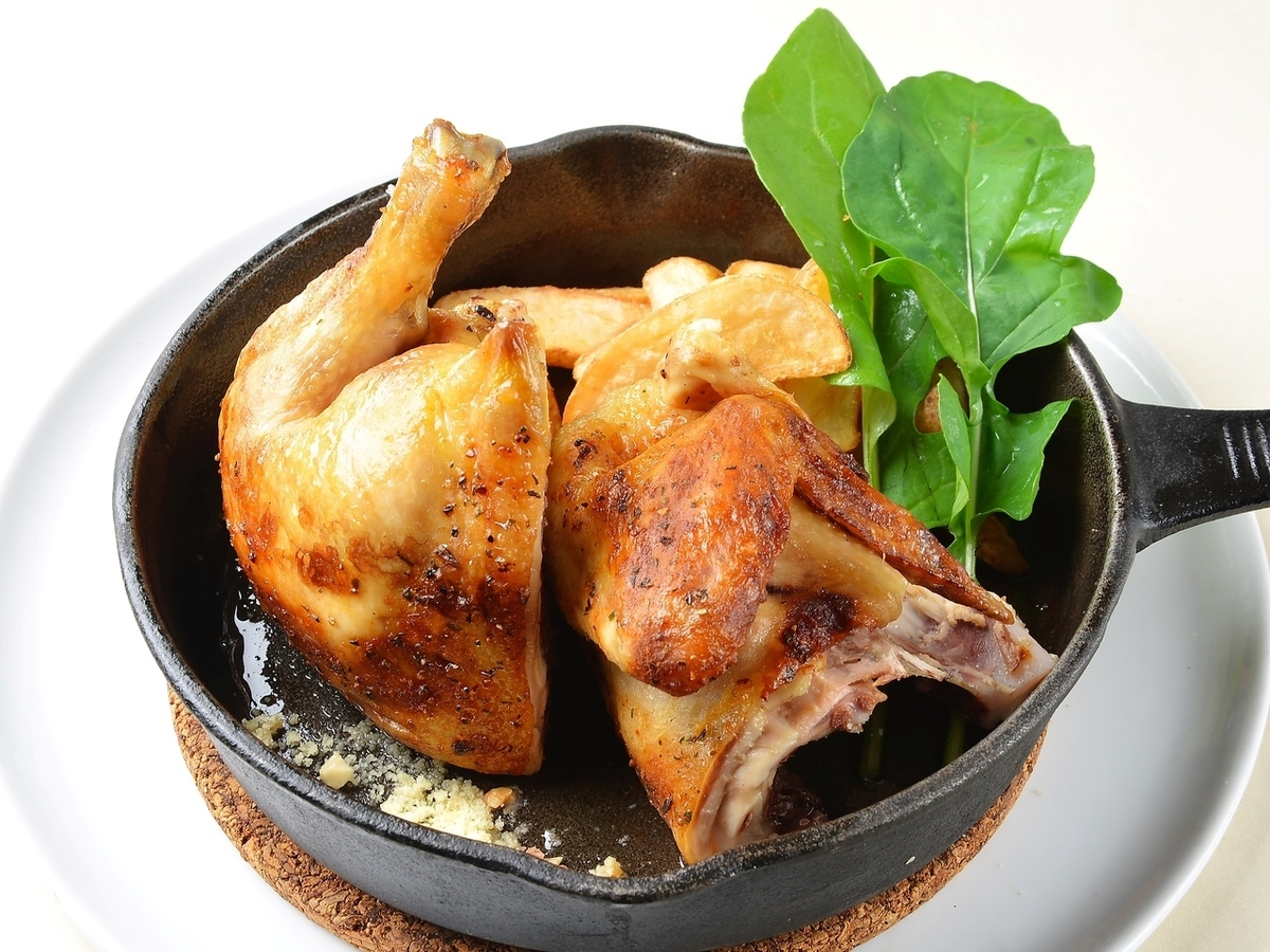 """From the famous ☆ Rotisserie chicken, """"3 kinds of taste"""" can be enjoyed."""