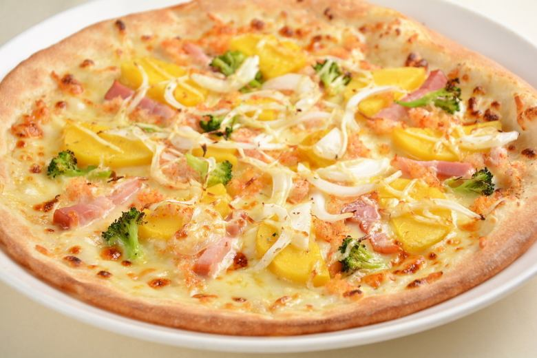 """Premium pizza"" Country style white sauce of sweet crab and potato 28 cm"