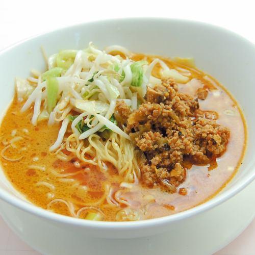 名物 ピリ辛坦々麺