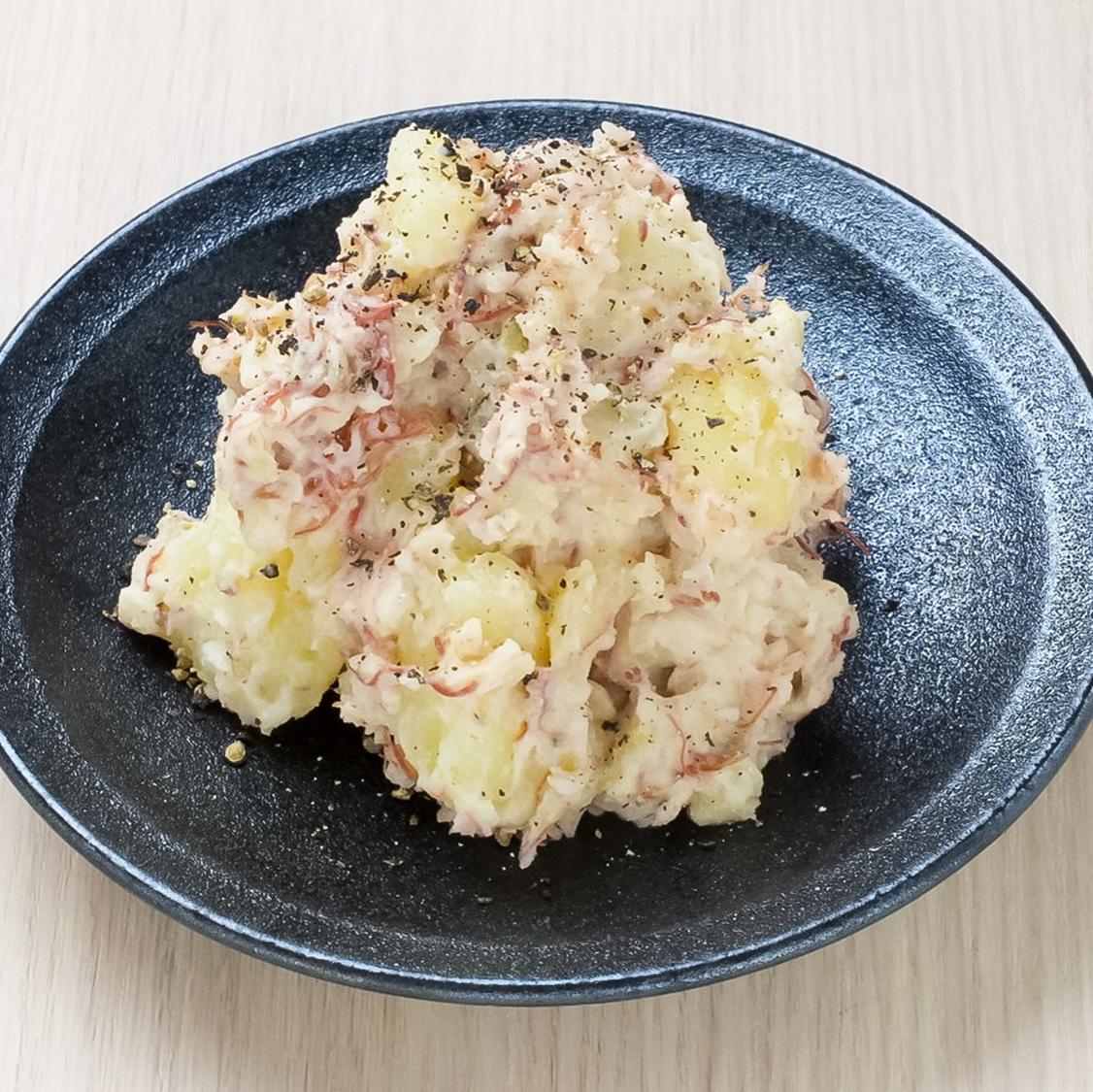土豆沙拉醃牛肉和泡菜