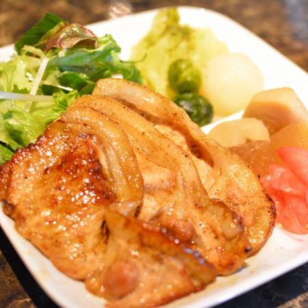 湘南みやじ豚 バラ肉と野菜の生姜焼き