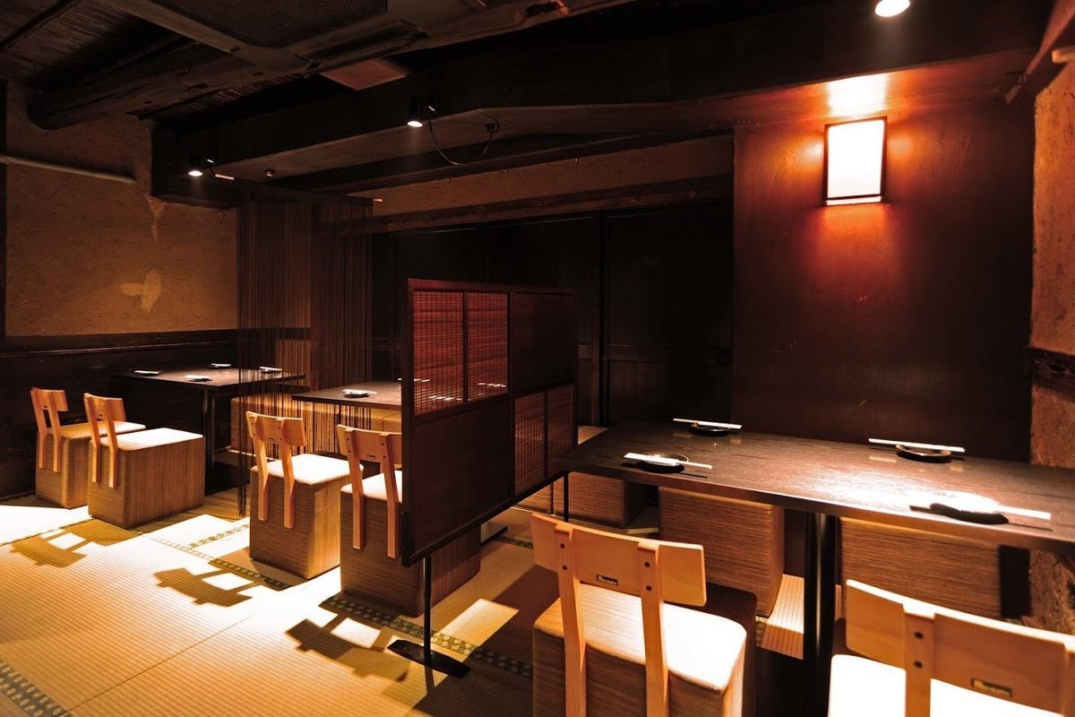 It is a slightly different table seat with tables and chairs on the tatami.But the space that calms down somewhere is very popular.