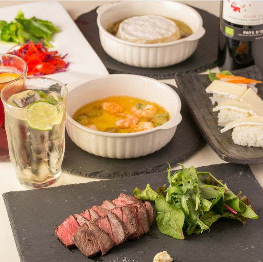 【Dinner】 Enjoy vegetables and original cheese dishes and meat ♪