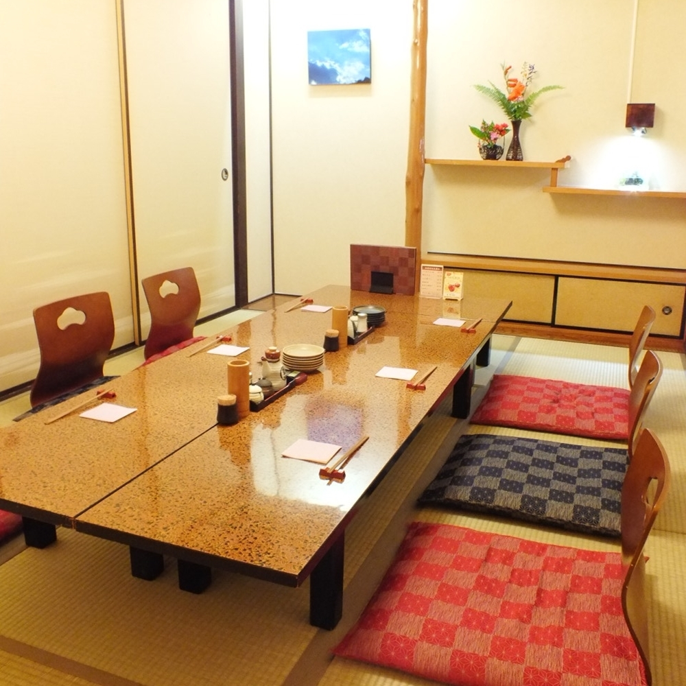 A fully-private room can be used even for small groups of 5 to 10 people ◎ Weekdays are aimed at, so please reserve as soon as possible!