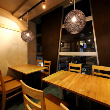 Simple and fashionable interior selected carefully by shopkeepers themselves produces the best space.You can enjoy your meal in a calm atmosphere.